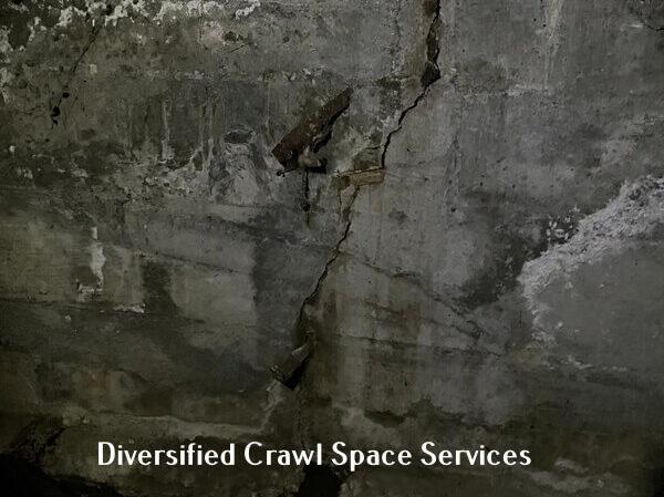 crawl space foundation crack